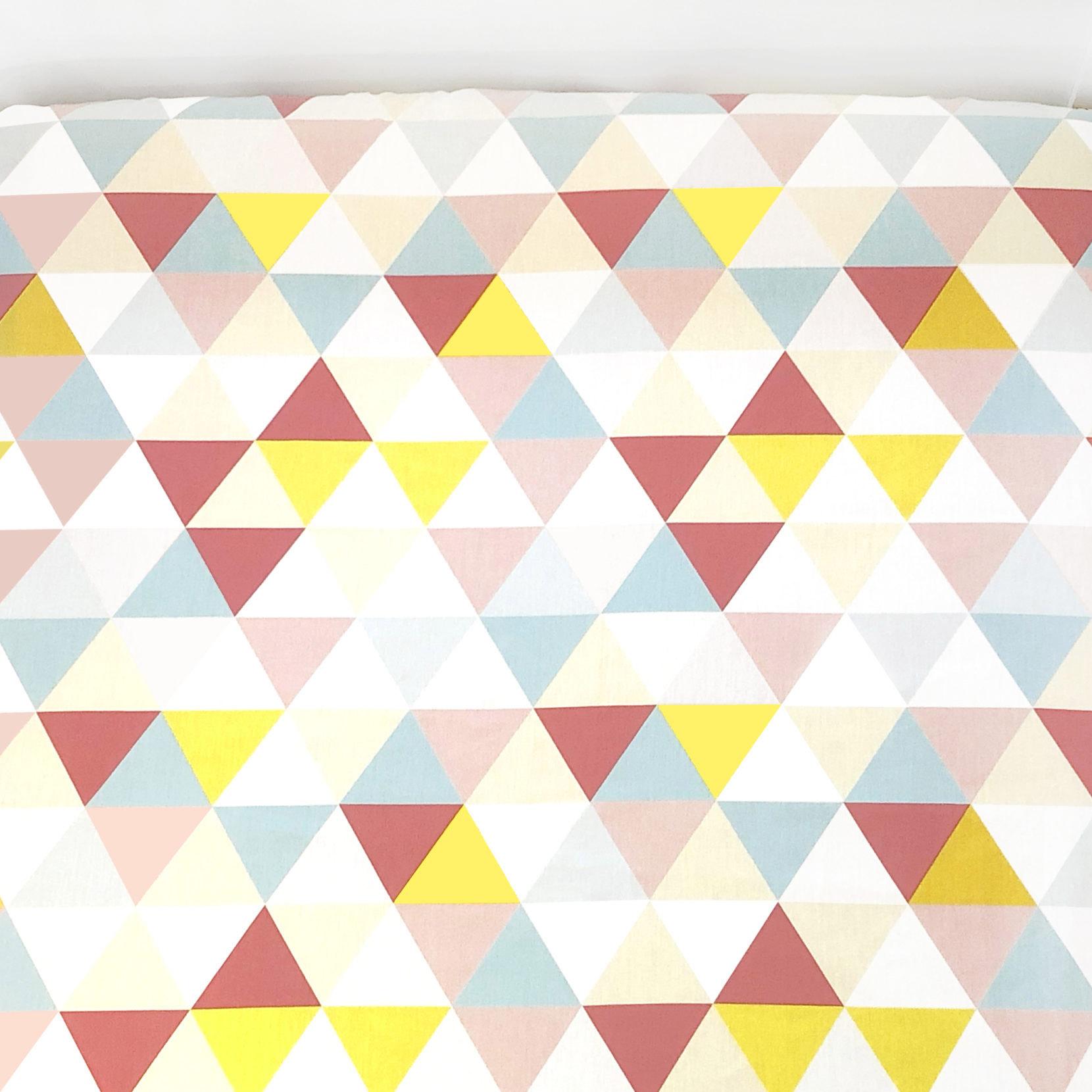 Lençol De Elástico Triângulos Rosa, Amarelo E Azul