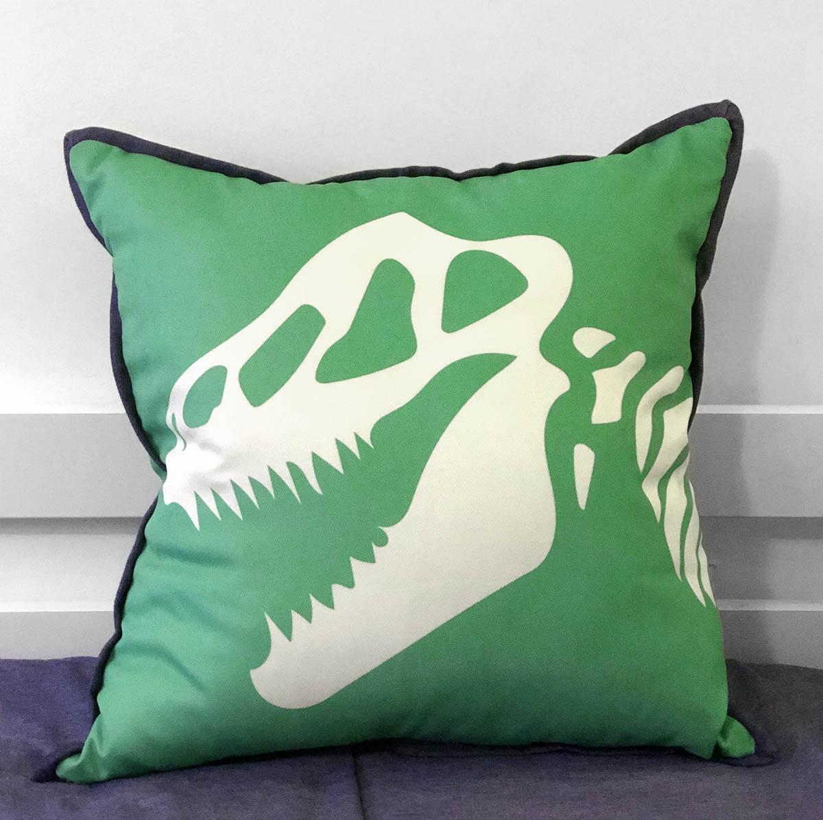 Capa De Almofada De Dinossauro De Sarja Verde Com Detalhe Jeans